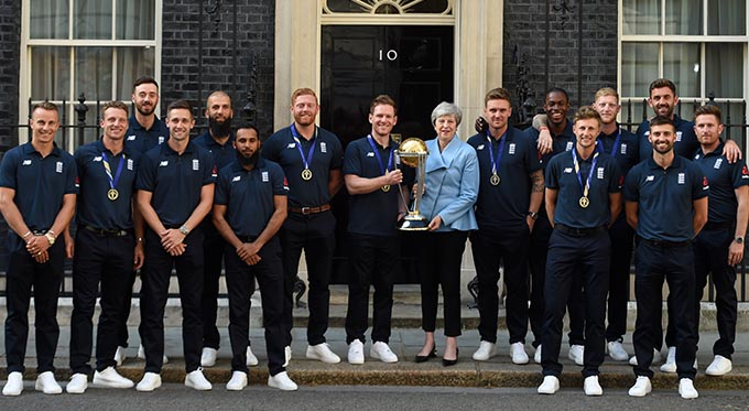 England cricket team with Theresa May outside 10 Downing Street